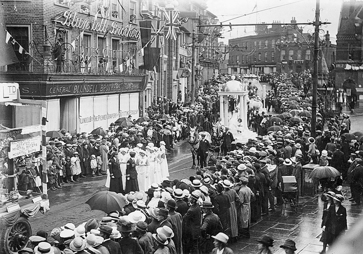 Blundells store Peace Day 1919