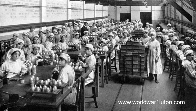 Munitions girls at Chaul End