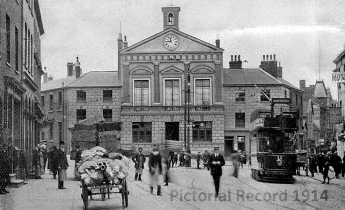 Luton old Town Hall in 1914